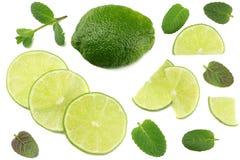 еда здоровая известка при листья мяты изолированные на белом взгляд сверху предпосылки Стоковое Изображение RF