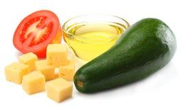 еда здоровая смешивание авокадоа, сыра, томата изолированного на белой предпосылке Стоковая Фотография RF