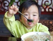 еда младенца стоковые изображения