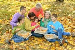 еда пиццы семьи Стоковые Фотографии RF