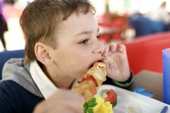 Еда ребенка chiken kebab Стоковая Фотография