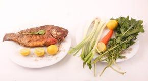 Еда рыб с взгляд сверху салата Стоковое Фото