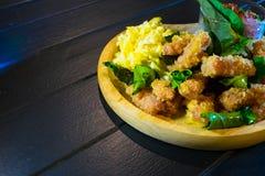 Еда стиля кислого свинины тайская северовосточная Стоковые Изображения RF