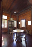 Еда таблицы в старом тайском типе стоковое фото rf