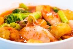 еда тайская Лапши розовых морепродуктов плоские пряно стоковая фотография
