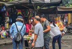 Еда улицы в Hoi, Вьетнаме стоковое изображение
