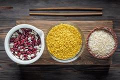 Еда установленного традиционного органического ингридиента vegan супер в Ближний Востоке и азиатских варя хлопьях Стоковое фото RF