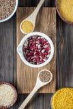 Еда установленного традиционного органического ингридиента vegan супер в Ближний Востоке и азиатских варя хлопьях Стоковые Изображения RF