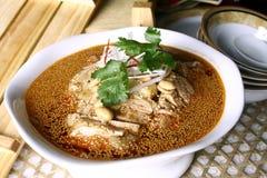 еда фарфора цыпленка вкусная Стоковое Изображение