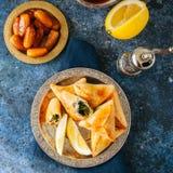 Еда Iftar во время concep ramadan, арабских и ближневосточного еды Стоковое Изображение