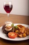 еда scallops вино стейка Стоковые Изображения