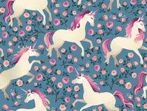 Единороги на предпосылке с картиной fairy леса безшовной Стоковое Изображение