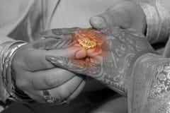 ее венчание кольца Стоковые Изображения RF