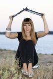 ее детеныши женщины компьтер-книжки Стоковая Фотография RF