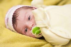 лежать младенца newborn Стоковые Фотографии RF