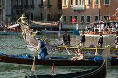 Ежегодная регата вниз с грандиозного канала в Венеции Италии Стоковая Фотография