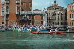 Ежегодная регата вниз с грандиозного канала в Венеции Италии Стоковое Изображение