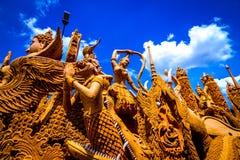 Ежегодный одолженный фестиваль 2559 свечи на памятнике Suranaree Стоковое Фото