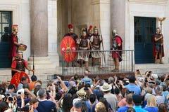 Ежедневное представление в дворце ` s Diocletian, разделение, Хорватия Стоковое Изображение RF