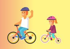 Езда брата и сестры на велосипедах в векторе шлемов Стоковое Изображение