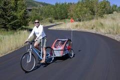 езда семьи bike Стоковая Фотография