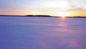 Езда снегохода в зиме сток-видео