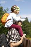 езда piggyback стоковые изображения