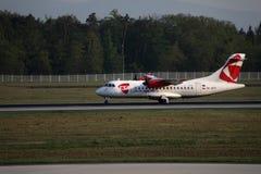 Ездить на такси чехословакских авиакомпаний плоский в авиапорте Франкфурта, FRA Стоковые Фото