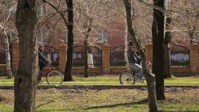 Езда велосипеда акции видеоматериалы