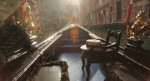 Езда гондолы Венеции вечера Стоковое фото RF