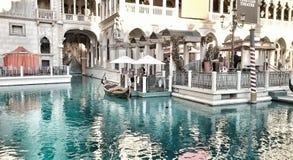 Езда гондолы на венецианском Стоковые Фотографии RF