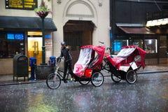 Езда такси велосипеда Стоковое Фото