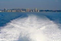 Езда шлюпки от материка к острову Каталины Стоковое Фото