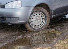 Езды автомобиля на грязи Стоковая Фотография RF