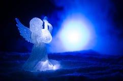 Ель диаграммы и стекла xmas Анджела рождества стеклянная, рождественская елка, docorative элементы на темной предпосылке рождеств Стоковые Изображения RF