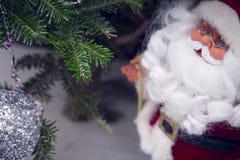 Ель и игрушка Санта Стоковая Фотография