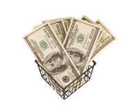 100 денег долларовых банкнот в корзине Стоковое фото RF