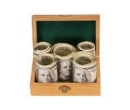 100 денег долларовых банкнот в коробке Стоковая Фотография RF