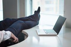ленивый работник офиса стоковое изображение