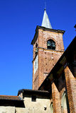 день колокола башни церков olona castiglione солнечный Стоковые Фотографии RF