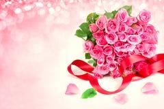 лепесток роз букета сладостный розовый на мягком сладостном розовом backgroun Стоковые Изображения