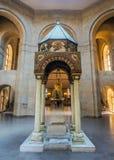 Ереван St Gregory интерьер собора иллюминатора стоковая фотография rf