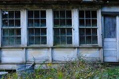 деревенские окна Стоковая Фотография