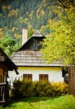 деревенский дом традиционный Осень Стоковые Изображения