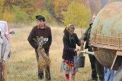 деревце пожилой женщины моча стоковые изображения