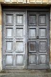 деревянное дверей старое Стоковые Фотографии RF