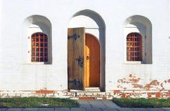 деревянное двери открытое монастырь moscow novodevichy Стоковая Фотография RF