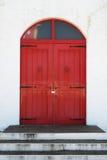 деревянное двери старое красное Стоковое Изображение RF