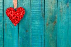 деревянное сердца предпосылки красное Стоковые Изображения
