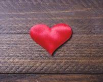 деревянное сердца предпосылки красное Стоковая Фотография RF
